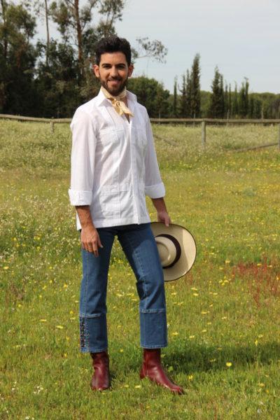 moda rociera, camisa cubana, guayabera blanca, guayabera, camisa hombre